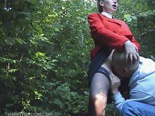 hot pussy suck in public park